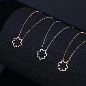 Kate Spade Simple Diamond-Studded Flower Necklace